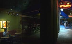 23:00 h